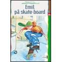 Emil på skateboard